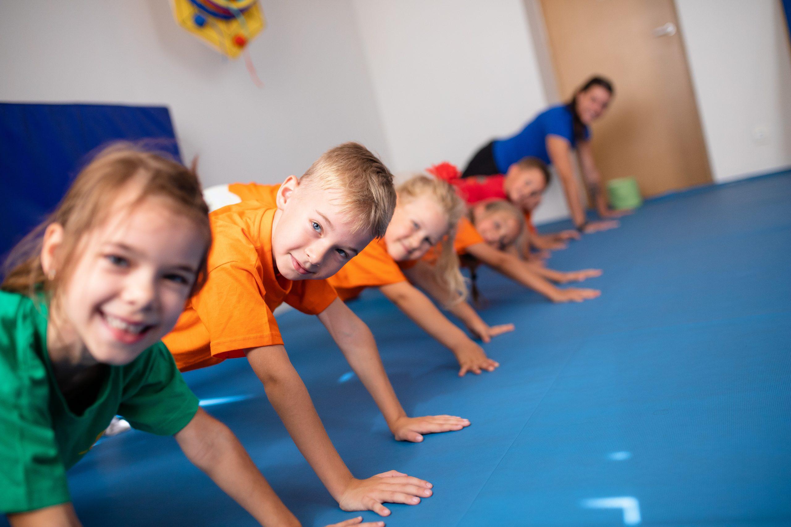 Uzsiemimai vaikams bureliai vaikas fizinis aktyvymas vaikusportas Strakaliukas